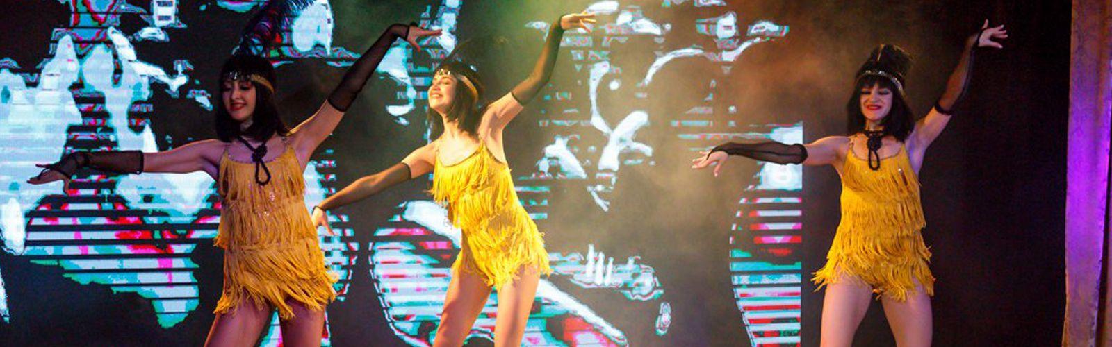 Шестой прямой эфир (Суперфинал и гала-концерт) - 29 декабря - Страница 11 Champagne_party_4